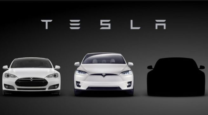 La Tesla Model 3 verrà svelata domani 1 aprile