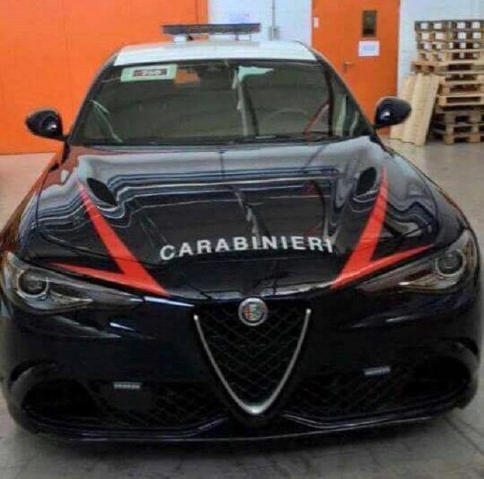 Alfa Romeo Giulia, per lei c'è la divisa dei Carabinieri