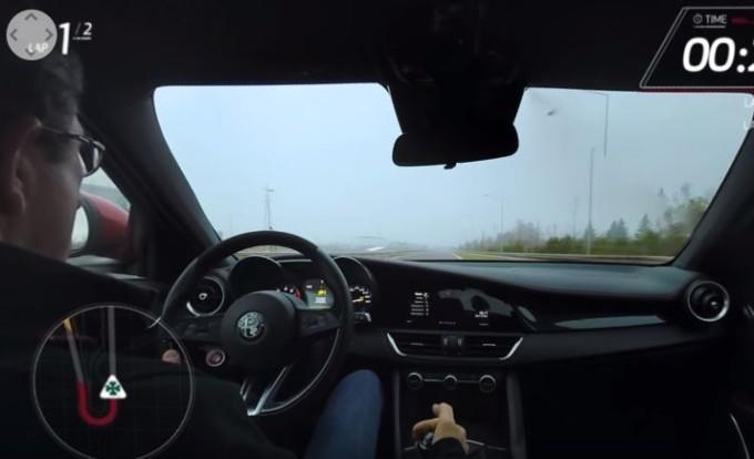 Alfa Romeo Giulia Quadrifoglio: salite a bordo per un giro in pista [VIDEO a 360°]