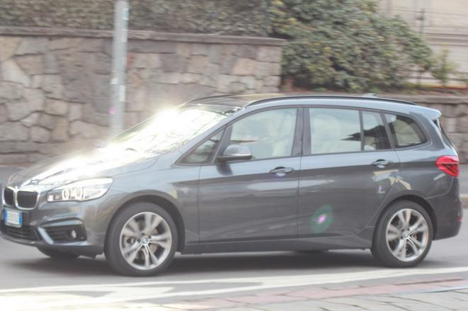 BMW_Serie_2_Grand_Tourer_prova_su_strada_31