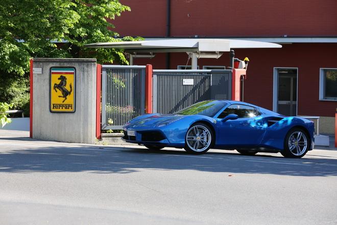 Ferrari_488_Spider_Pss_2016_01