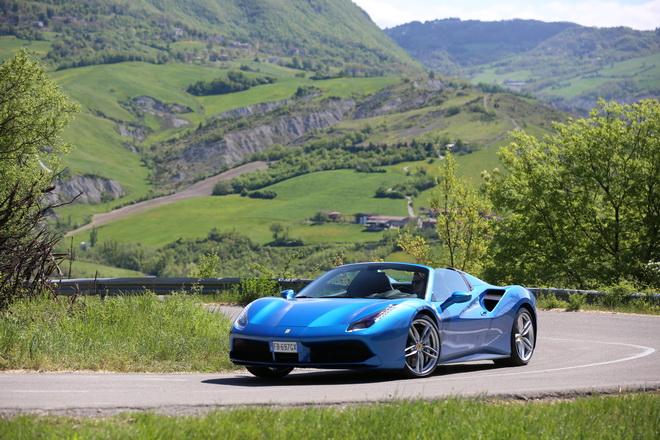 Ferrari_488_Spider_Pss_2016_guida