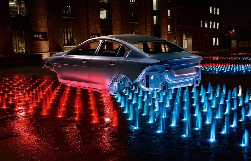 Jaguar XE, un anno sul mercato da festeggiare nel segno del riciclo dell'alluminio