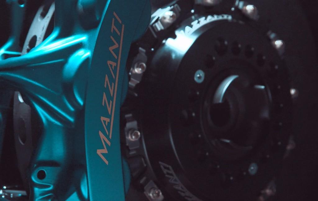 Mazzanti EV-R, freni in carbo-ceramica per regolare la potenza del V8 biturbo 7.2 litri [VIDEO TEASER]