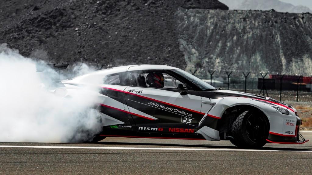 Record per il drift più veloce di sempre — Nissan GT-R