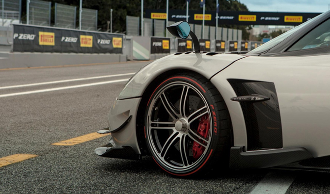 Pagani Huayra BC con gomme Pirelli P Zero al Circuito di Estoril