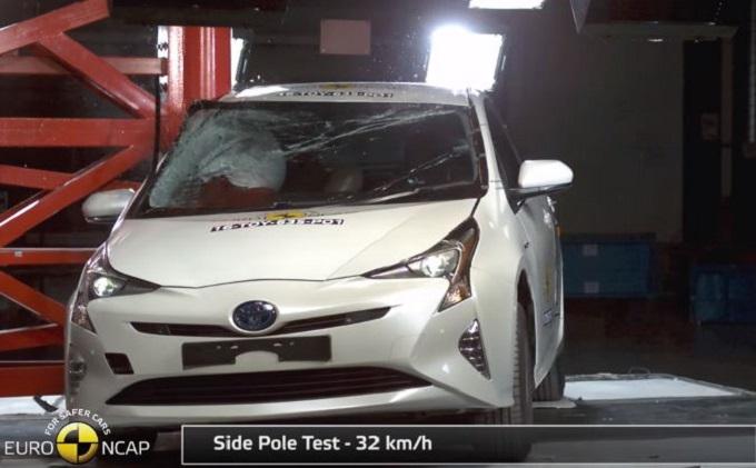 Nuova Toyota Prius conquista le cinque stelle Euro NCAP [VIDEO]