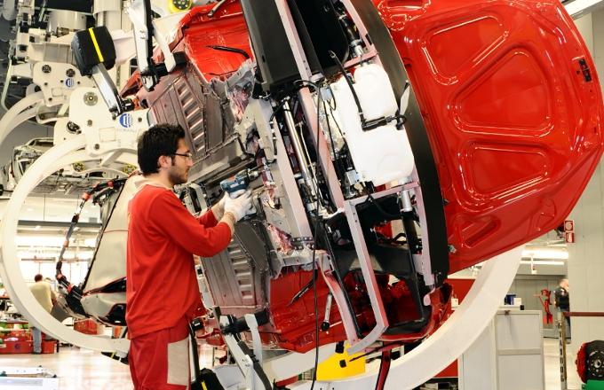Ferrari, nuovo super bonus per i dipendenti: ad aprile 2.570 euro in più in busta paga