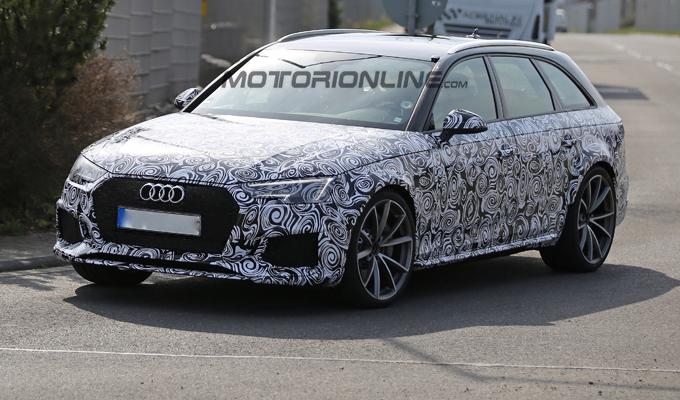 Audi RS4 Avant MY 2018: un esemplare di prova ripreso in azione [VIDEO SPIA]