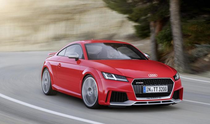 Audi TT RS MY 2016: estetica e performance esaltate dalla potenza [VIDEO]