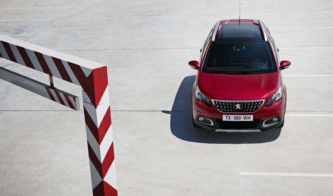 Peugeot 2008: il nuovo SUV compatto raccontato da Stéphane Peterhansel [VIDEO]