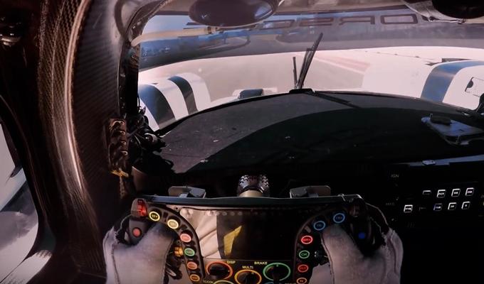 Porsche Rennsport Reunion V: una suggestiva visione di forza sull'asfalto [VIDEO]