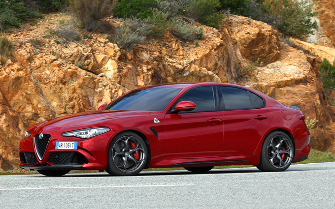 alfa romeo giulia quadrifoglio verde a goodwood viene. Black Bedroom Furniture Sets. Home Design Ideas