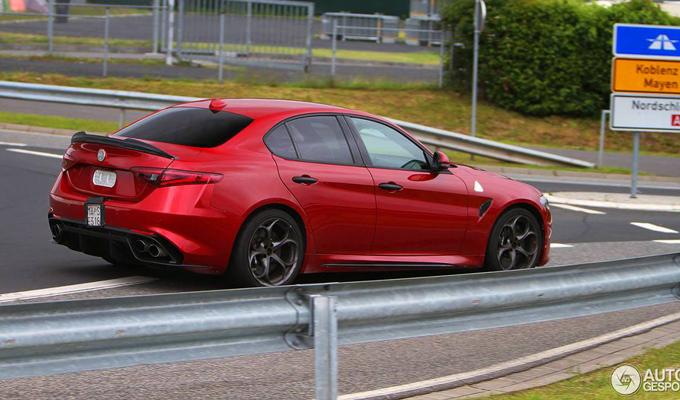 Alfa Romeo Giulia Quadrifoglio Immortalato Un Esemplare Che