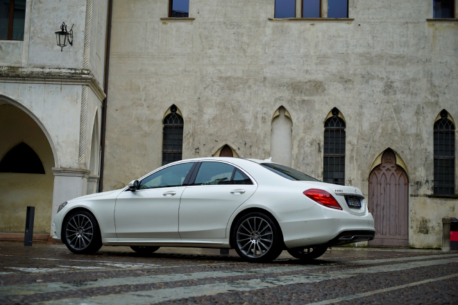 Mercedes_S350d_4Matic__Pss_2016_lineapost