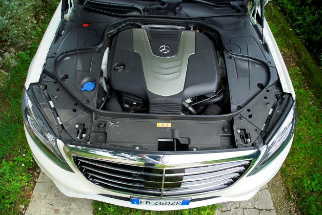 Mercedes_S350d_4Matic__Pss_2016_motore