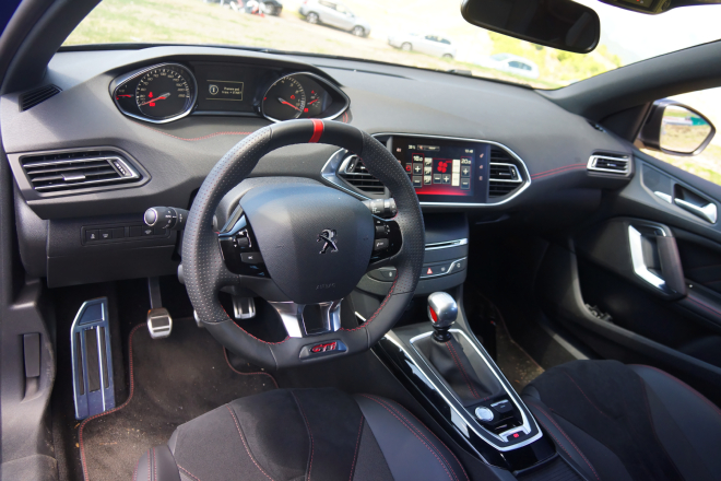 Peugeot_308_GTi_Pss_2016_3