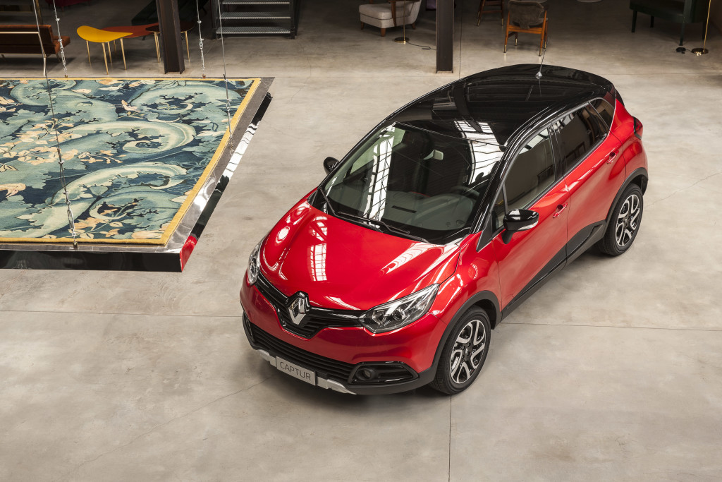 renault lancia la serie limitata hypnotic seduzione aggiuntiva per captur e kadjar foto live. Black Bedroom Furniture Sets. Home Design Ideas