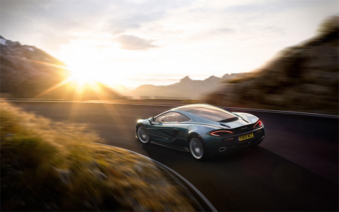 """La McLaren annuncia: """"Non produrremo mai SUV"""""""