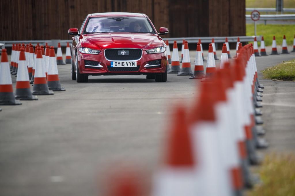 Jaguar Land Rover, via alla sperimentazione dell'auto a guida autonoma e connessa [VIDEO]