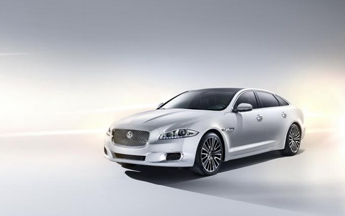 Jaguar: nuova XJ per fronteggiare la nuova Porsche Panamera?