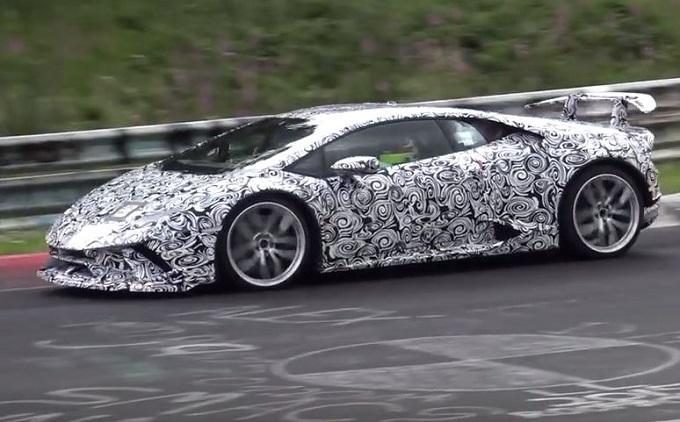 Lamborghini Huracan Superleggera filmata sulla pista del Nürburgring [VIDEO SPIA]
