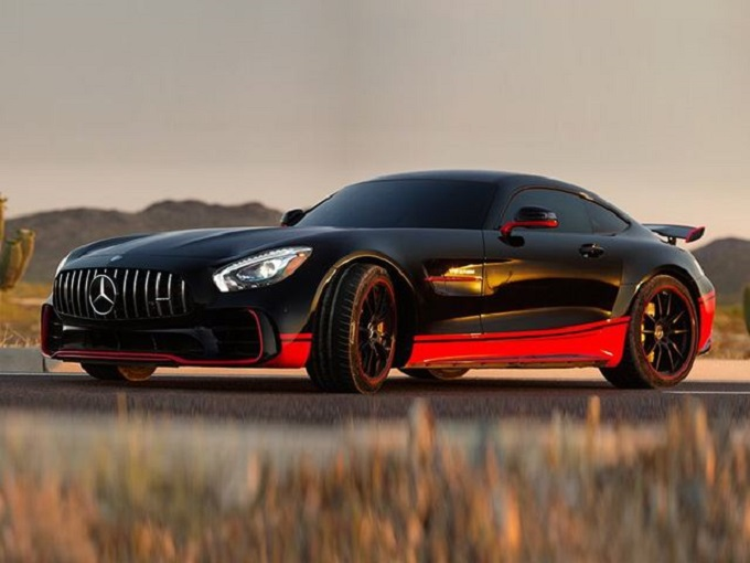 Transformers 5, nel cast c'è anche la nuova Mercedes-AMG GT R