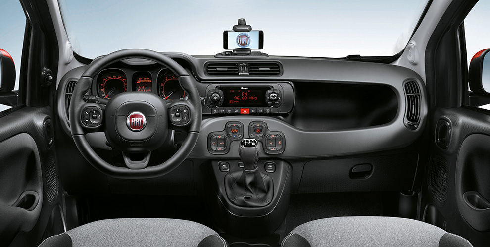 fiat panda disponibile con la nuova radio uconnect. Black Bedroom Furniture Sets. Home Design Ideas