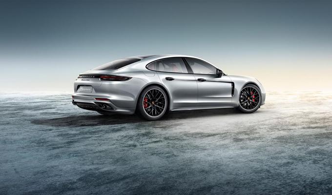 Nuova Porsche Panamera by Porsche Exclusive