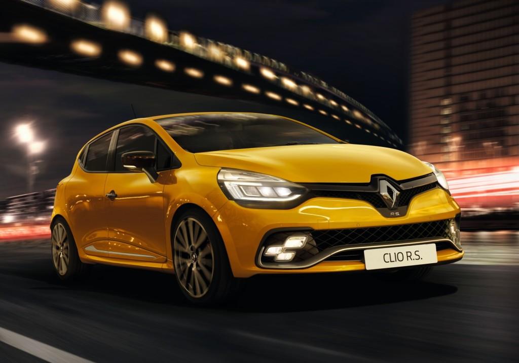 Renault Clio RS, svelato il restyling della piccola sportiva francese