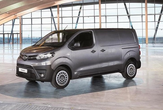 Toyota proace il van giapponese debutta sul mercato for Macchine da cucire toyota prezzi