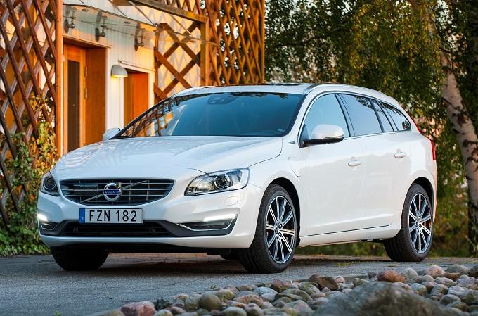 Volvo V60 Diesel Plug-In Hybrid entra nella flotta Avis Italia