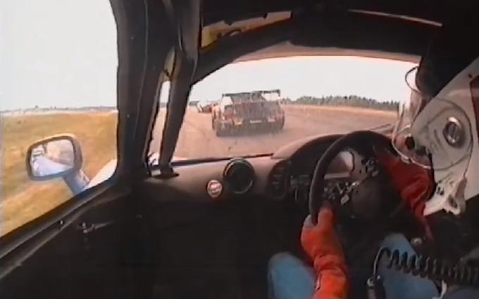 McLaren F1 GTR: in macchina sul circuito di Anderstorp [VIDEO]