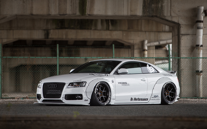 audi a5 coup tuning realizzato dalla liberty walk foto. Black Bedroom Furniture Sets. Home Design Ideas