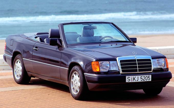 Mercedes Classe E Cabrio (A124): il debutto 25 anni fa