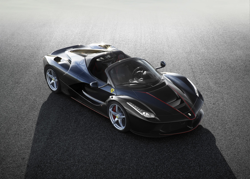 Ferrari denunciata da un collezionista USA per il rifiuto a vendergli LaFerrari Aperta