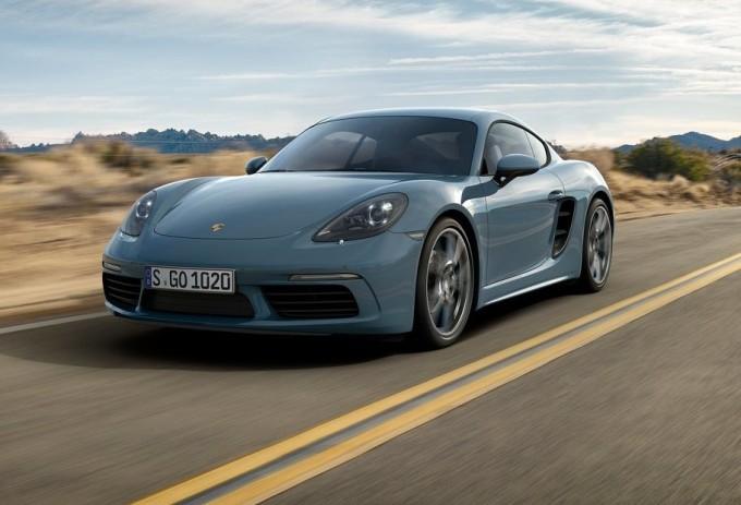 Porsche aggiusta il tiro per la Cina: 718 Boxster e 718 Cayman da 250 CV
