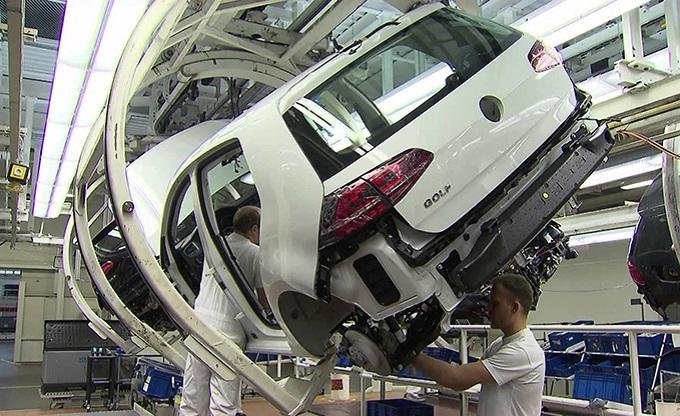 Volkswagen: ferma per una settimana la produzione Golf