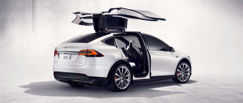 Tesla Model X: l'Autopilot ha salvato una vita