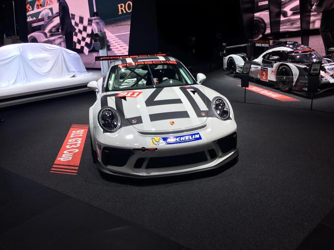 Porsche 911 GT3 Cup: nuova versione presentata al Salone di Parigi 2016 [VIDEO]