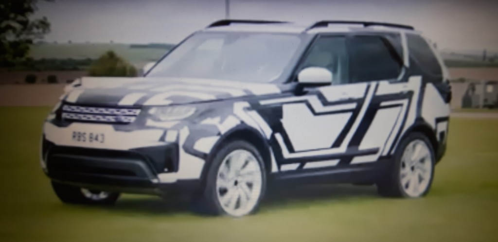 Nuova Land Rover Discovery: Bear Grylls ci mostra alcune inedite tecnologie [VIDEO]