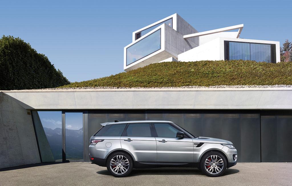 Land Rover: più modelli ibridi nel futuro