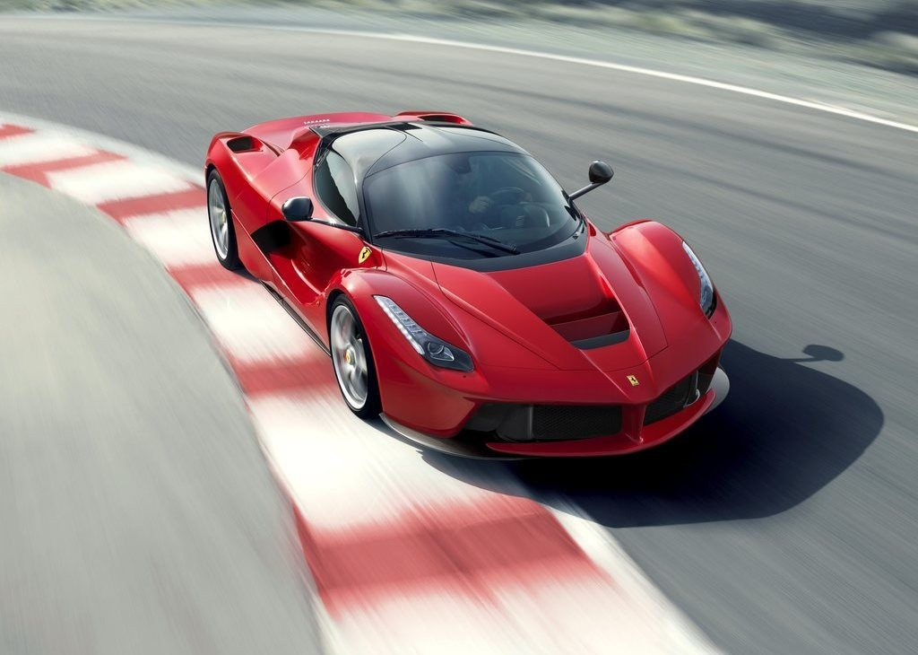 Terremoto, all'asta LaFerrari numero 500