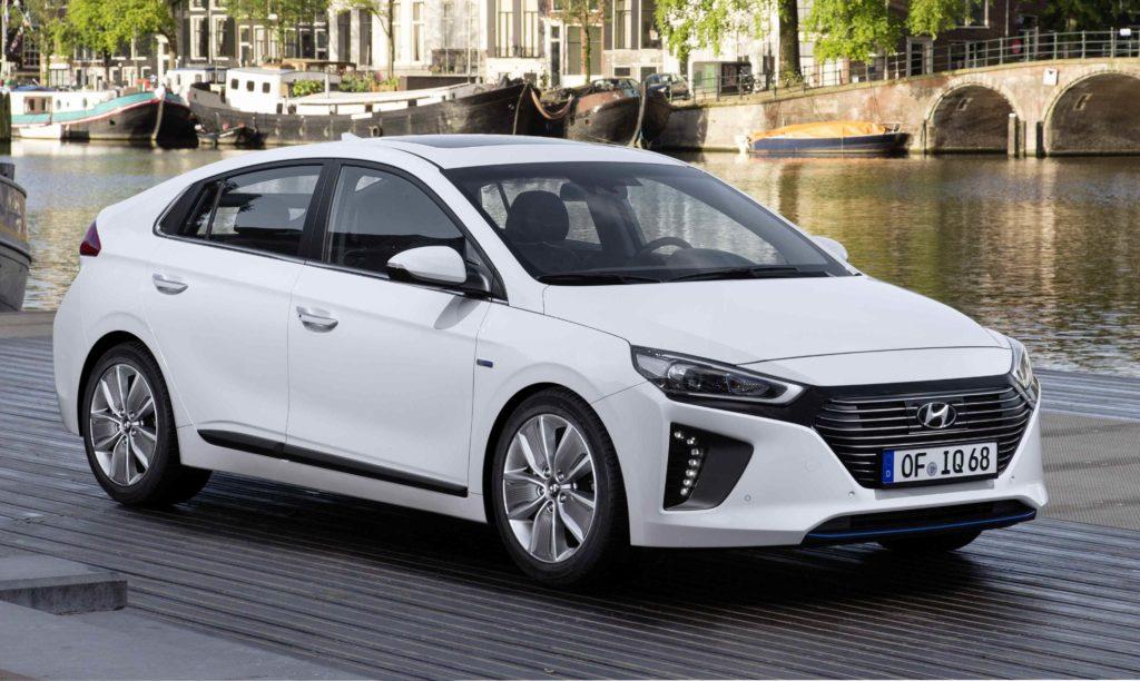 Hyundai Ioniq, i prezzi per l'Italia partono da 24.900 euro