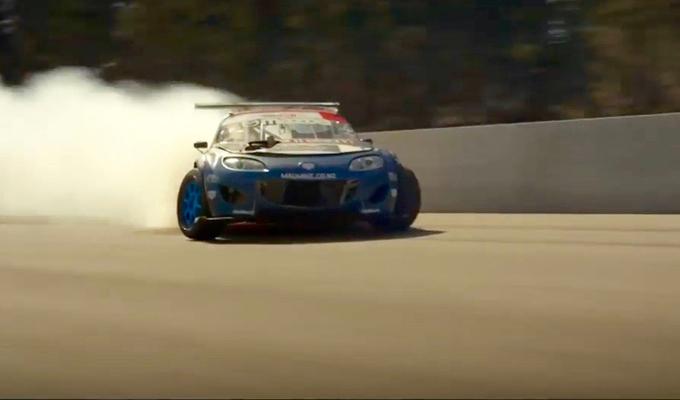Mazda MX-5: la RADBUL di Mike Whiddett e l'energia del drift [VIDEO]