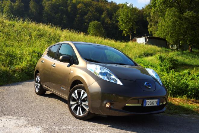Nissan_Leaf_Pss_2016_03