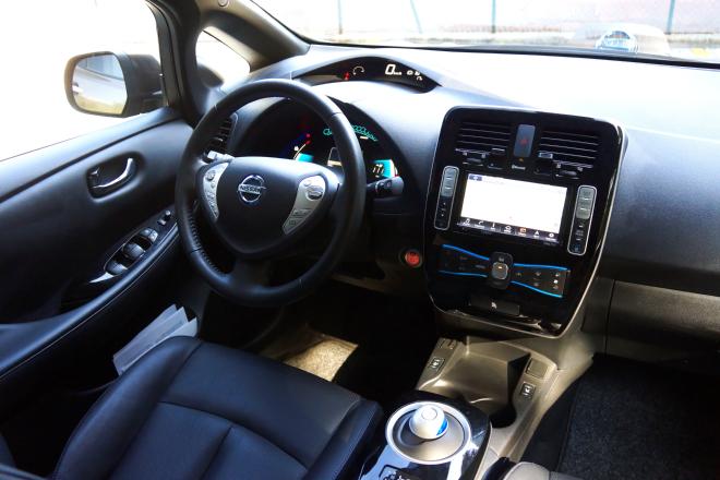 Nissan_Leaf_Pss_2016_07