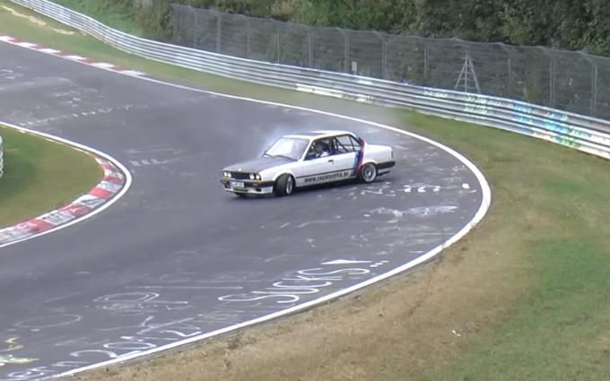 Nurburgring: serie di testacoda a causa delle condizioni della pista [VIDEO]