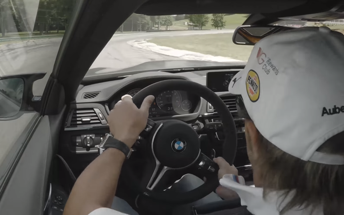 BMW M4 GTS: giro di pista al VIRginia International Raceway con Bill Auberlen [VIDEO]