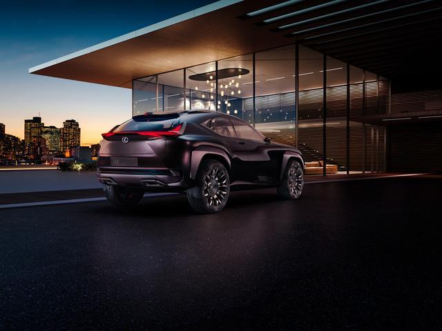 Lexus UX: presentazione in anteprima il 29 settembre